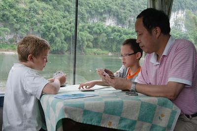 Jetzt lernt auch Jacks Vater Mau Mau.