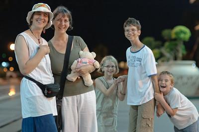 Am Abend bevor Katrin und die Kinder nach Deutschland flogen, waren wir noch zusammen Essen. Bei Fratinis, dem besten Italiener in Brunei.