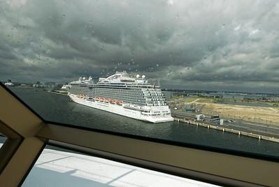In Kopenhagen musste unser Kapitän zwischen zwei anderen Schiffen einparken. War ganz schön eng...