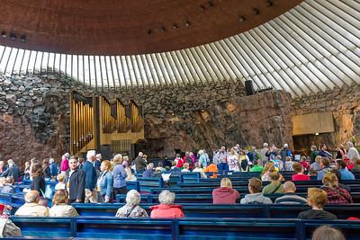 Die Felsenkirche ist eine der Attraktionen der Stadt.
