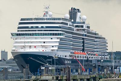 Die grossen Schiffe werden in Kiel in der Zeitung angekündigt. Die Eurodam war nicht dabei...