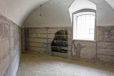 Sogar eine Bücherei gab es im Gefängnis.