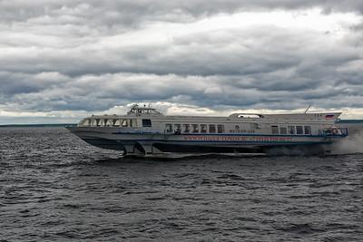 Zurück nach St. Petersburg ging es dann wieder mit dem Boot.