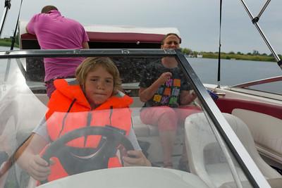 Heute waren wir mit Sven auf der Weser. Zum Wasserskilaufen.