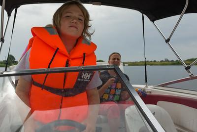 Richard durfte das Boot aus dem Hafen fahren.