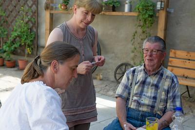 Onkel Norbert war überrascht aber hat sich über den Besucht sichtlich gefreut!