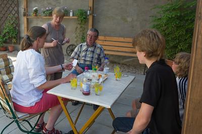 Auf der Durchfahrt durch Stavenhagen haben wir Helgas Onkel Norbert besucht.
