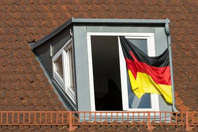 """Deutschland im Fussballfieber. Nicht auszudenken, wenn """"wir"""" am Sonntag verlieren."""