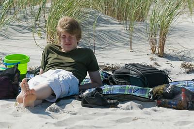 Oskar hatte keine Lust zum Baden. Er hat sich lieber gesonnt.
