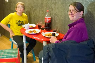 Unsere Wohnung in Reykjavik ist gross und gemütlich. Wir können da sogar kochen!