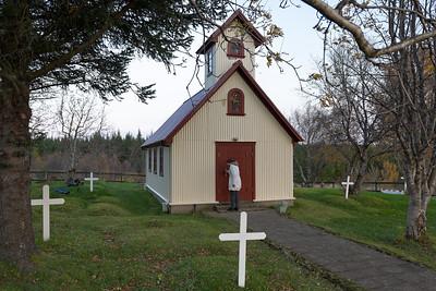Diese kleine Kapelle findet man in der Nähe vom Örtchen Geysir.