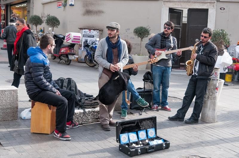 Diese Strassenmusikanten waren toll.