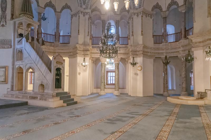 Die Moschee heisst auch Hagia Sophia, ist aber sehr viel kleiner als das Original.