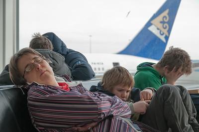 Der Flieger ging 0600 ab Stavanger. Das heisst um 4 Uhr aufstehen! Entsprechend müde waren wir beim Aufenthalt in Amsterdam.
