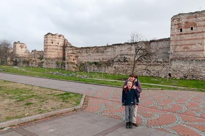 Direkt neben den Museum fanden wir dann die Reste der echten Stadtmauer.