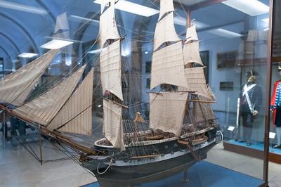 Im Museum gab es viele Schiffsmodelle zu sehen.