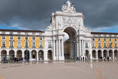 Der grosse Platz im Zentrum des Stadt.