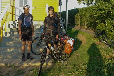 Jetzt geht's los. Zuerst zur Fähre nach tau und dann weiter Richtung Hjelmeland.