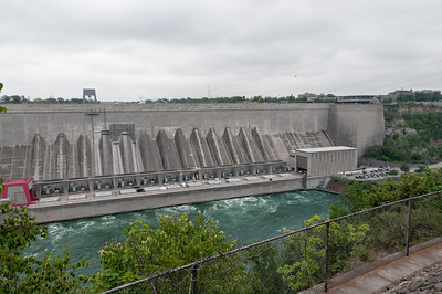 Das Kraftwerk auf der amerikanischen Seite versorgt etwa 30% der Ostküste mit Strom.