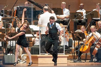 Das Orchester spielte verschiedene Tänze.