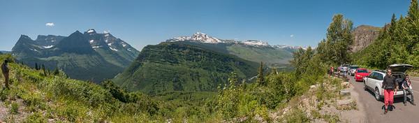 Ein Panorama auf dem Weg vom Pass hinunter nach Westen.