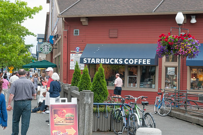 Im Umkreis von 5 Meilen um den Haven soll es mehr als 100 Starbucks Kaffees geben.