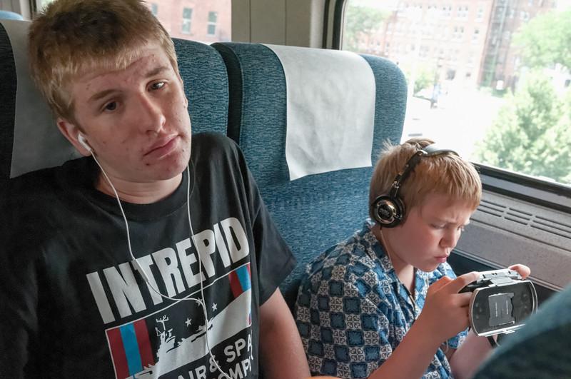Der Zug von New York war wirklich bequem. Aber wird das zum Schlafen reichen?