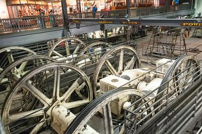 Das Museum war äuch die Zentrale der Cable Cars. Hier die Antriebe für die vier Strecken.