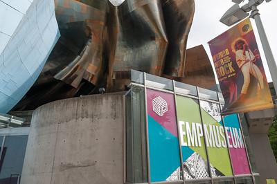 Das Musikmuseum (EMP) sieht sehr futuristisch aus.