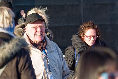 Opa Erich kam als einer der ersten von Bord. Zusammen mit Karen und Heide hat er eine Stadtrundfahrt gebucht.