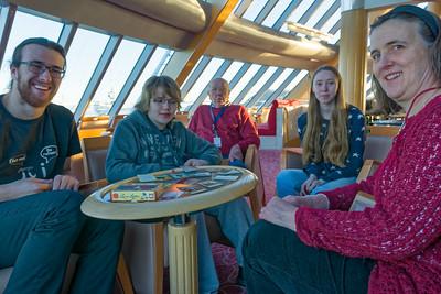 Heute Morgen waren wir in Trondheim. Ludwig und Cecilie kamen zum Frühstück an Bord. Das wäre auf einem normalen Kreuzfahrtschiff nicht so einfach.