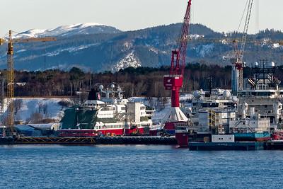 In dieser kleinen Werft in der Nähe von Trondheim wird gerade die MS Spitzbergen für den Einsatz auf den Hurtigruten vorbereitet.