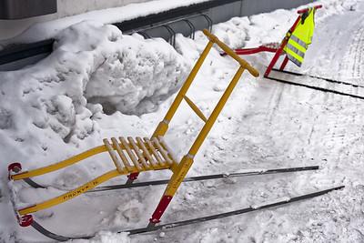 In Kirkenes benutzt man diese Schlitten statt eines Rollators.