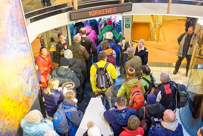 In Kirkenes kehren wir um und fahren wir wieder zurück nach Bergen. Viele Passagiere steigen hier aus.