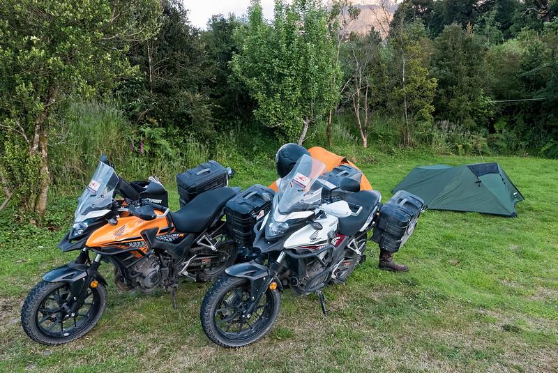 Sylvester haben wir in Hornopien zum ersten Mal im Zelt übernachtet.