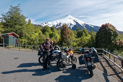 Abstecher zum Osorno. Mit dem Motorrad ist es leichter einen Abstecher zu machen als mit dem Fahrrad.