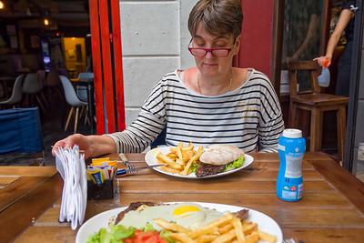 Das erste Stück Fleisch in Buenos Aires. Die richtigen Steaks kommen noch.