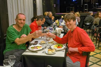 Am Abend haben wir in der Nähe des Hotels im Querandi eine tolle Tangoshow gesehen. Vorher gab es noch etwas zu Essen.