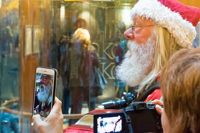 Der Weihnachtsmann war auch da.