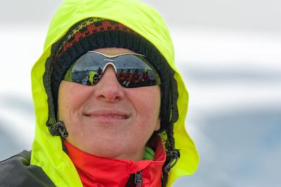 Im Schlauchboot wird es durch den Fahrtwind ganz schön kalt. Und man bewegt sich nicht.