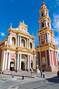 Noch eine prachtvolle Kirche in Salta.