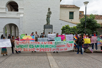 Die ethnische Gruppe der Wichi protestiert. Wir waren aber nicht ganz sicher, wofür oder wogegen.