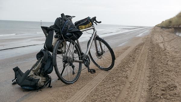 Nach drei Tagen in der Werkstatt bin ich mit dem Rad an einem Tag bis nach Chester gefahren. Den Rest bis zum Flughafen in Manchester bin ich mit dem Zug gefahren.