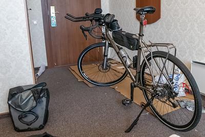 Angekommen in Vyborg. Ich war zwar erst gegen 2230 im Hotel und sehr müde, habe das Rad aber trotzdem noch zusammengebaut, damit ich am nächsten Tag früh losfahren konnte.