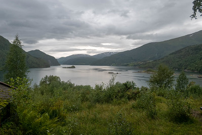 Die erste Nacht bin ich bis Kobbelv gekommen. Mit schöner Aussicht auf einen See vom Hotelzimmer.