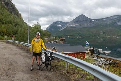 Die ersten 4 Tage war das Wetter toll! Hier bin ich an der Mørsvikbucht angekommen.
