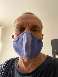 Wärend in Norwegen kaum jemand Masken trägt, war es in Deutschland in Hotels und Geschäften nötig.