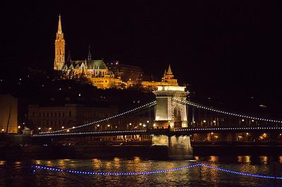 Budapest - Matthiaskirche - Fischerbastei - Kettenbrücke