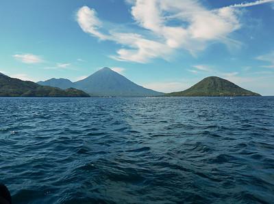 Ternate - Tidore (on the right hand side: Maitara)