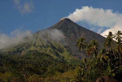 2009-10-28 (03) Vulkan auf Siau 001_A